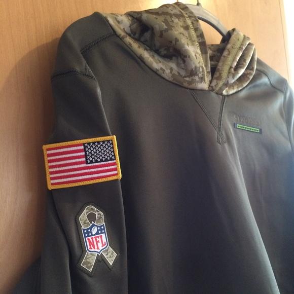 timeless design fb2c0 3634b Seattle Seahawks Nike Salute to Service Camo Hoodi NWT